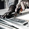 Fiskars CarbonMax™ összecsukható pengekés - 1027224
